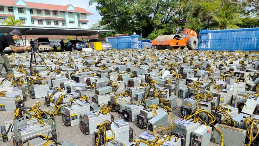 Malaysian authorities have seized 1,069 bitcoin mining rigs